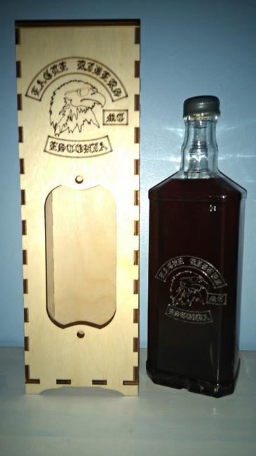 Graveering pudelile ja karbile